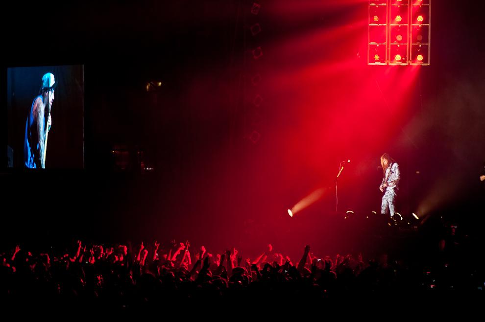 Los fanáticos coreaban las músicas de inicio a fin, mientras levantaban sus brazos buscando algún saludo de sus ídolos de Korn sobre el escenario. (Elton Núñez)