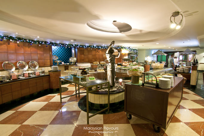 palm-terrace-coffee-house-buffet-area