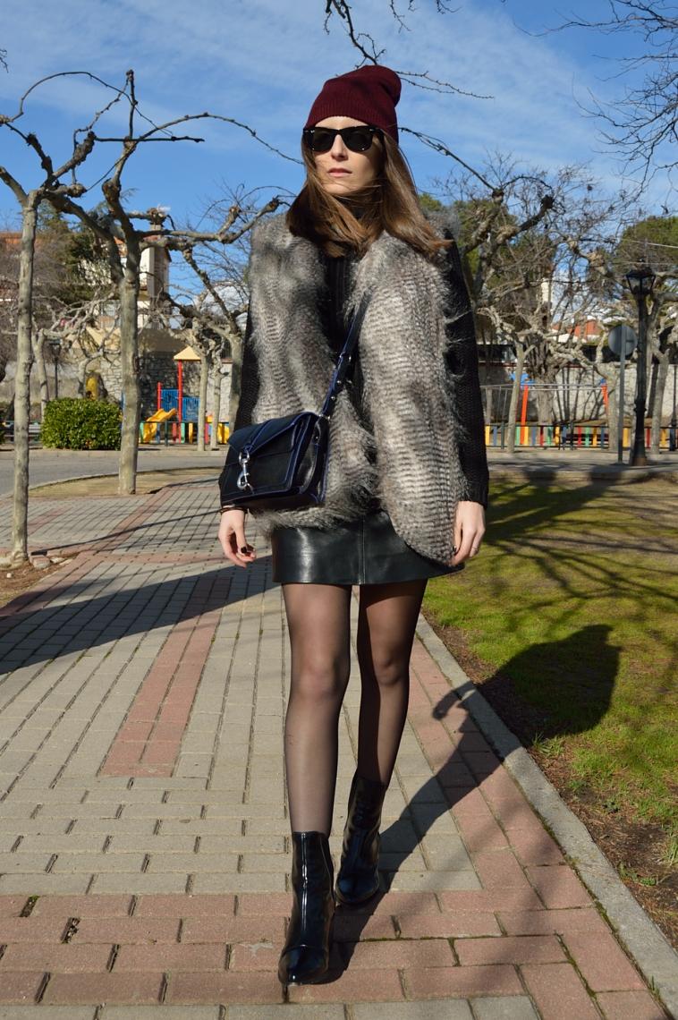 lara-vazquez-madlulablog-style-chic-black-outfit