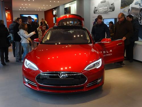 Amsterdam: Model S @ Tesla Store