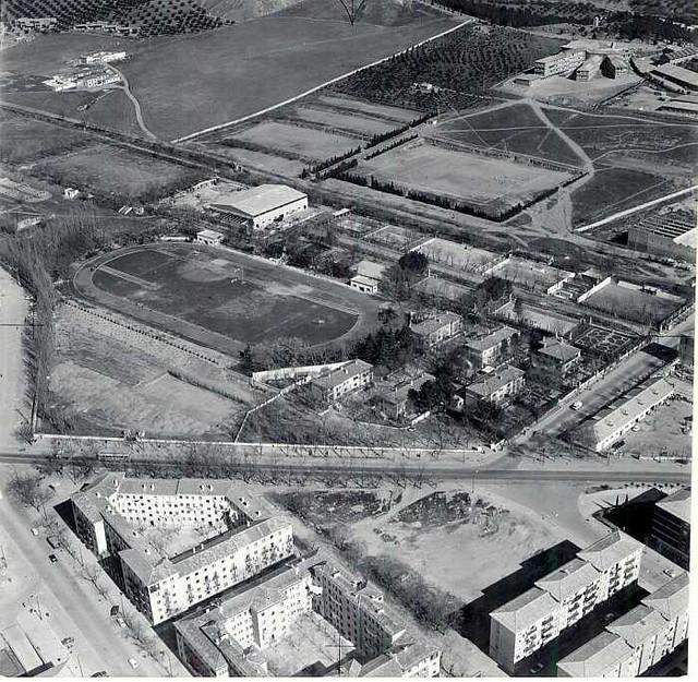 Vista aérea de la Avenida de la Reconquista. Años 70
