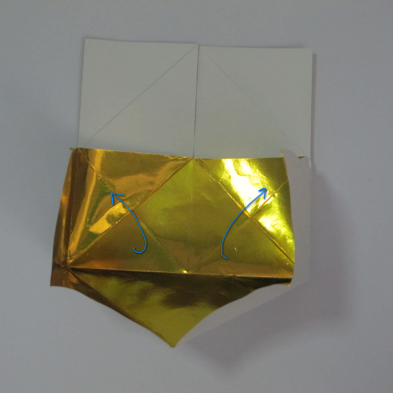 วิธีพับกระดาษเป็นรูปหัวใจติดปีก (Heart Wing Origami) 017