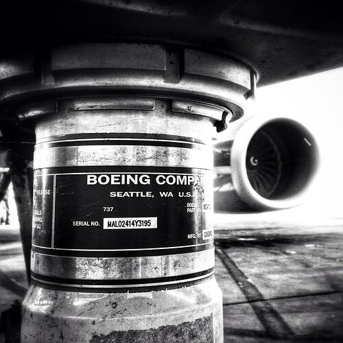 Nose gear. N943WN – Boeing...