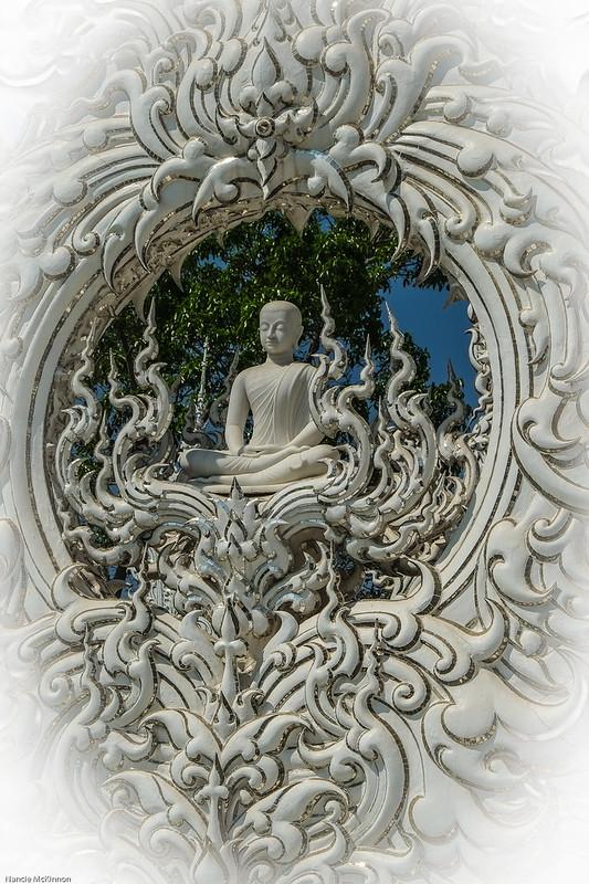 BudhaStatue.jpg