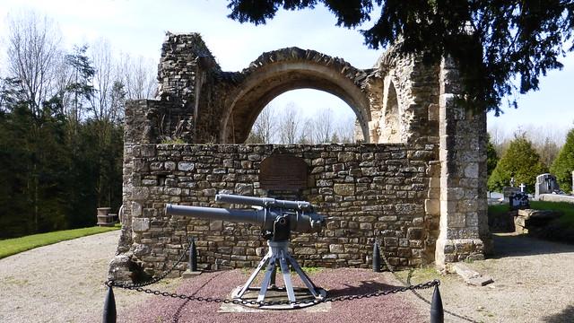 033 Ancienne église de Saint-Sauveur-de-Pierrepont