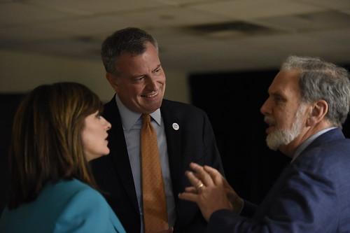 Maria Bartiromo, Mayor Bill de Blasio and NYU President John Sexton before the event
