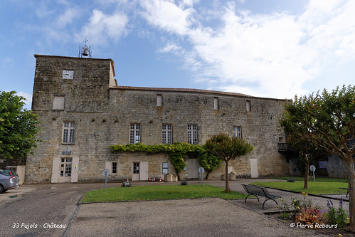 33 Pujols - Château