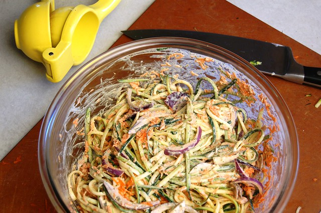 a simple real food recipe :: zucchini coleslaw :: dairy free option