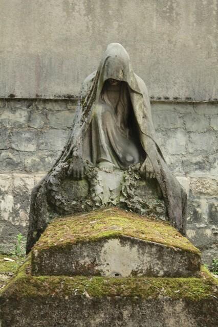 Cimitero di Père LaChaise: statua