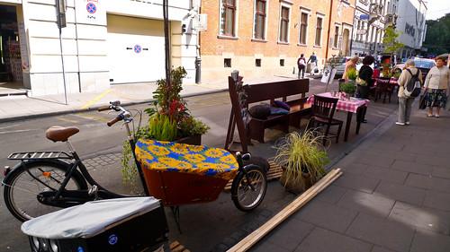 Park(ing) Day, Krakow, Poland (by: Gosia Malochleb, creative commons)