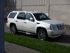 2007 Cadillac Escalade. 17 inch rims.