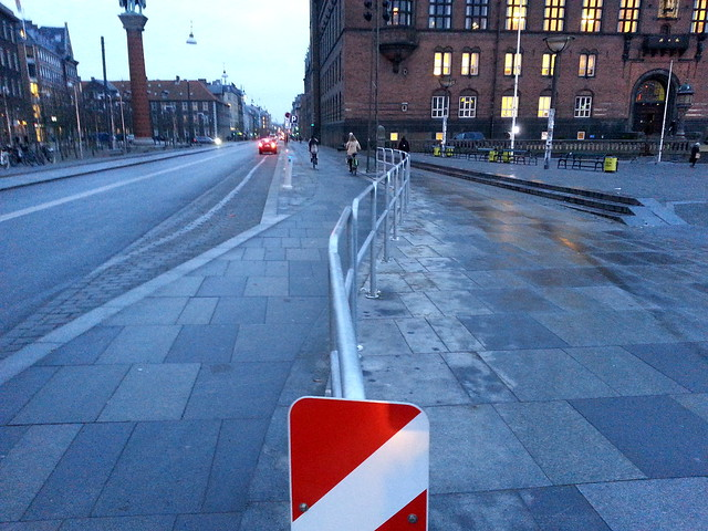 Bad Cycle Track Design in Copenhagen.47