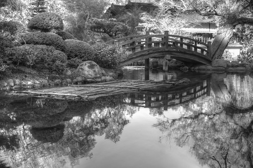 bridge reflection garden japanesegarden pond raw fav50 traditional japanesebridge hdr woodbridge hakonegardens 3xp photomatix nex6 selp1650