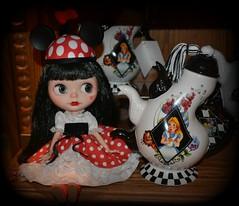 Minnie (Minuet) Chocolateer - Love Notes Custom