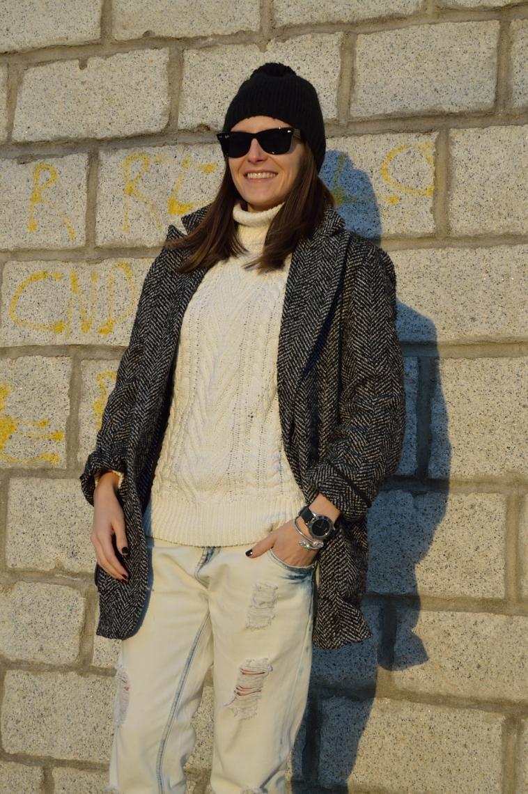 lara-vazquez-madlula-white-outfit-winter-black-details