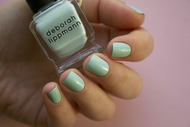 09 Deborah Lippmann Flowers In Her Hair swatches