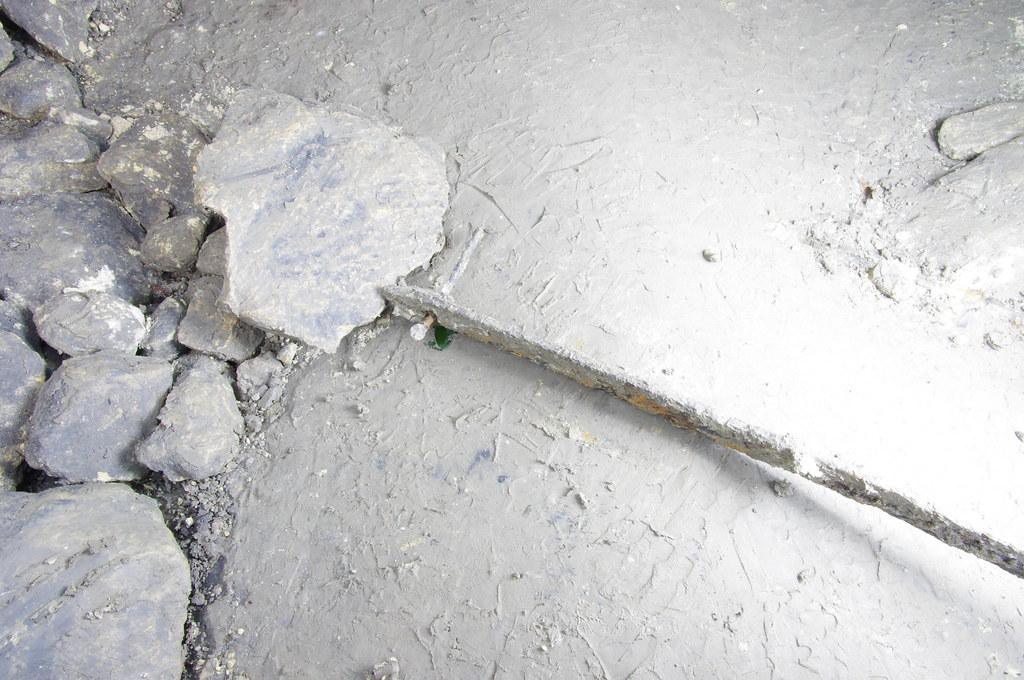 Силикаты_20140301_031 4П Металлическая накладка на деревянный рельс с гвоздём