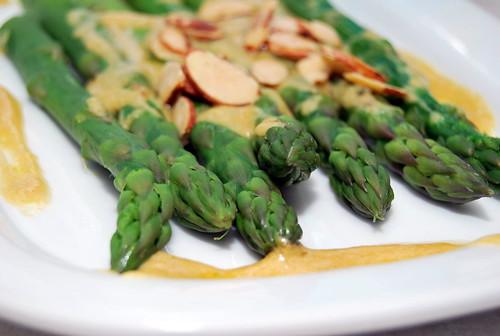 steamed asparagus with dijon sauce-001