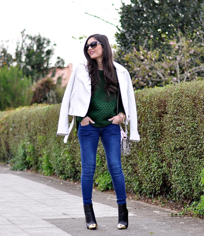 Green Sweater_04