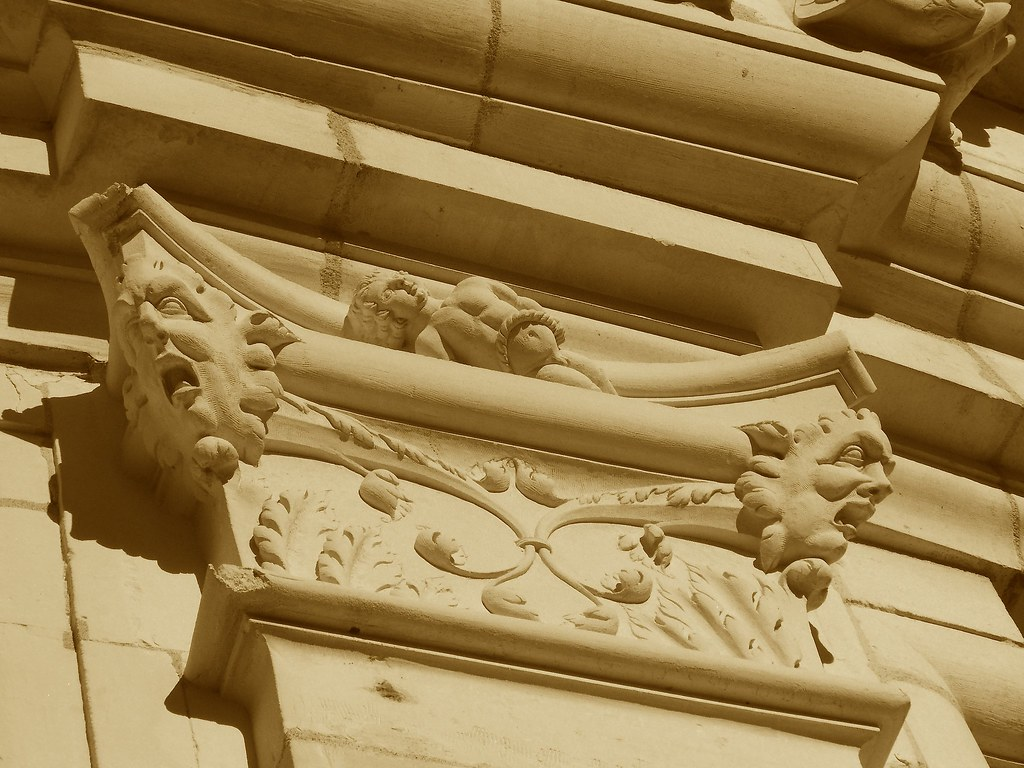 Pilastras y capiteles