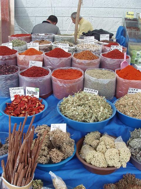200804030014_Yalikavak-market-spices