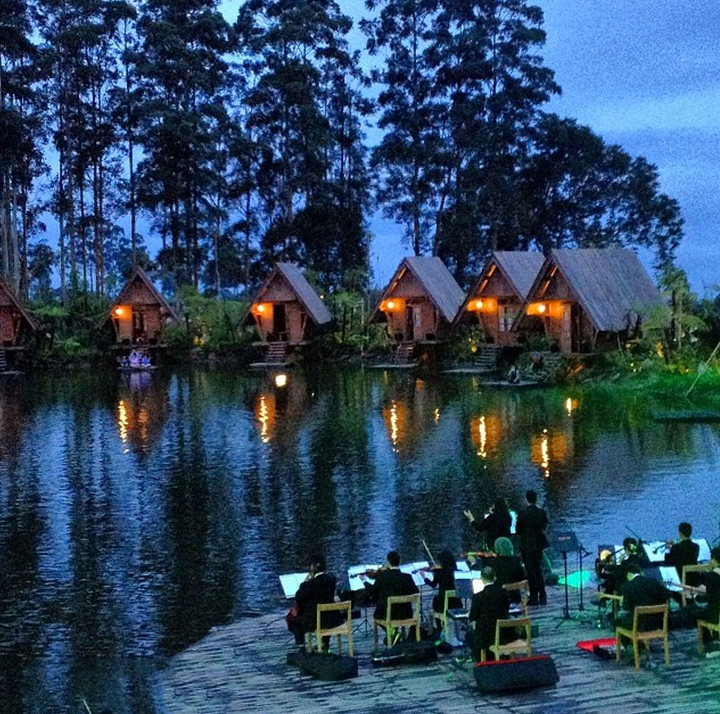 6-dusun-bambu-night-via-saicis
