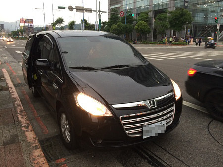 UBERX車款-LUXGEN-M7