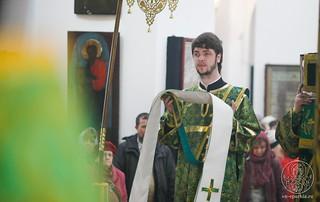 Литургия в Воскресенском соборе 320