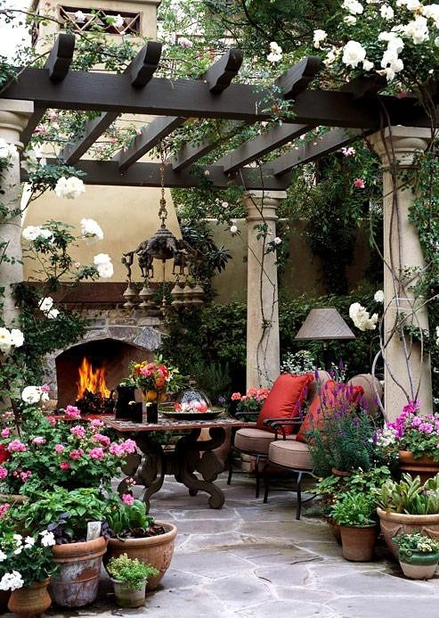 Living After Midnite: Room for Style: Interior Decorating : Outdoor Party Decor