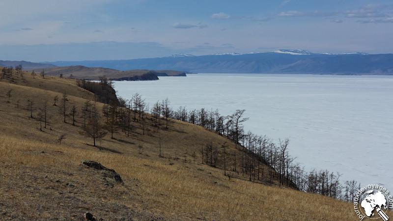 Falaises de l'île d'Olkhone