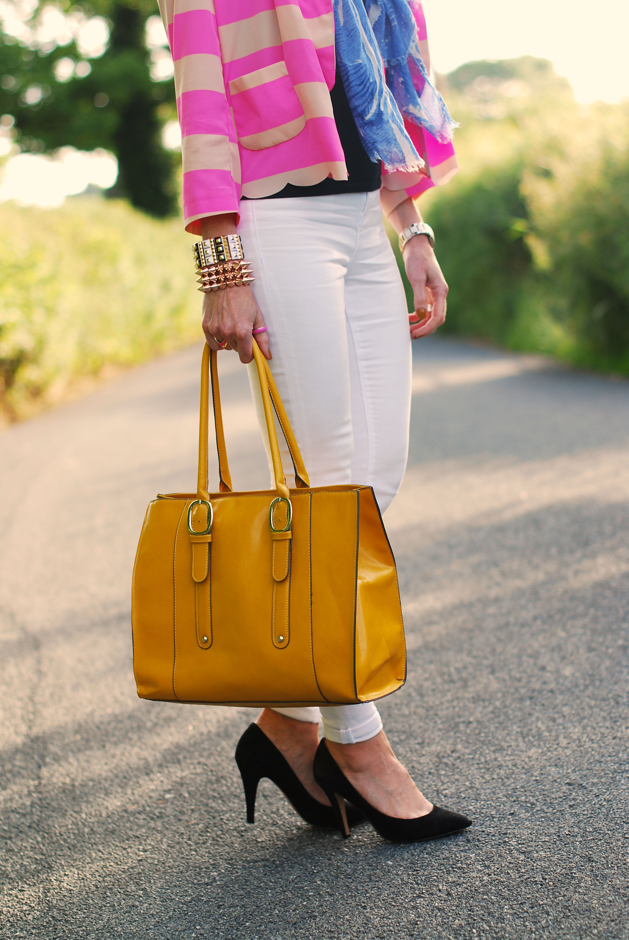 Pink neon stripes, white skinnies & yellow tote