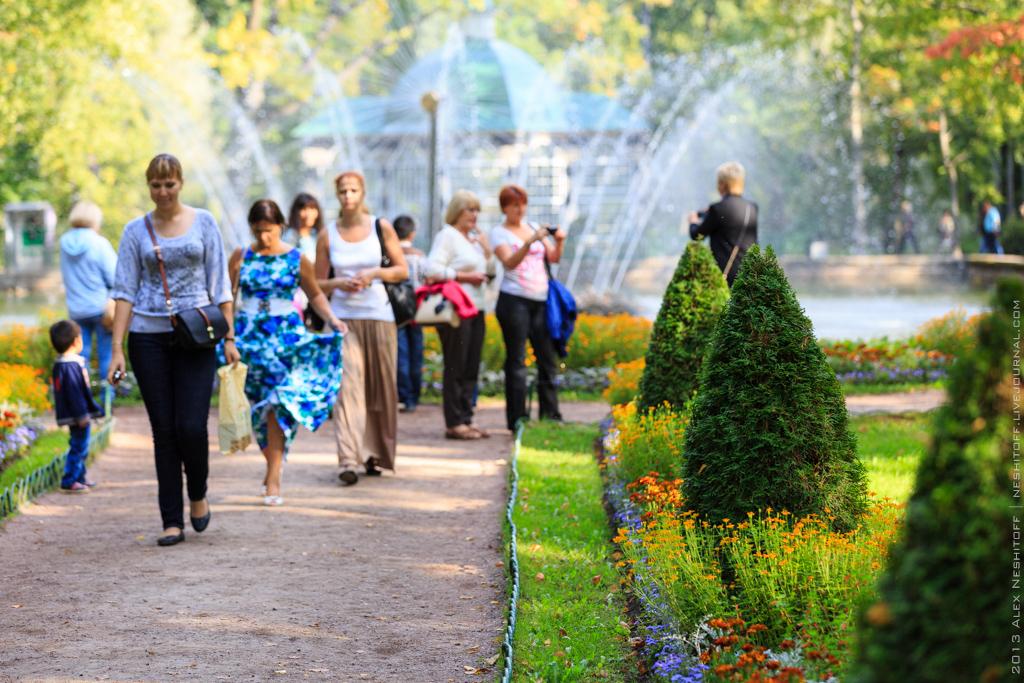 2013-Russia-Saint-Petersburg-Peterhof-014