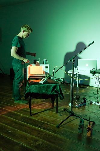 Kristen Roos - 20 Hz – 2.4GHz