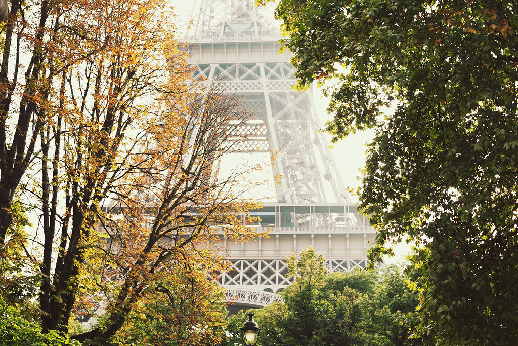 Tour Eiffel, photo by Carin Olsson of Paris in Four Months