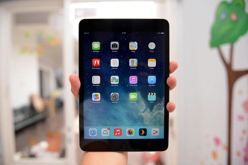 Apple iPad Mini with Retina Display 2013