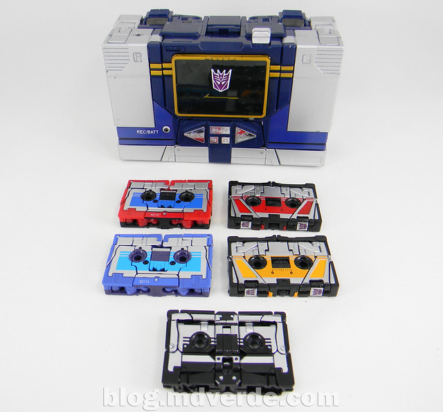 Transformers Soundwave Masterpiece - modo alterno vs casetes