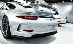 porsche 911 gt2(0.0), porsche 911(0.0), automobile(1.0), automotive exterior(1.0), porsche 911 gt3(1.0), wheel(1.0), vehicle(1.0), performance car(1.0), automotive design(1.0), porsche(1.0), bumper(1.0), land vehicle(1.0), luxury vehicle(1.0), supercar(1.0), sports car(1.0),