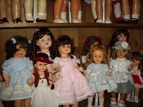 Les poupées de ma maison  11367825876_d7f494204b