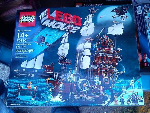 The LEGO Movie MetalBeard's Sea Cow (70810)
