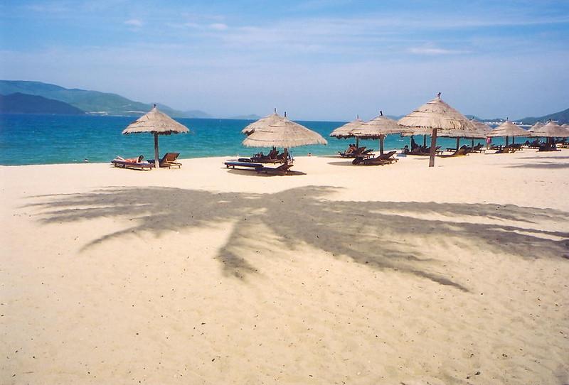 8 nha-trang beach