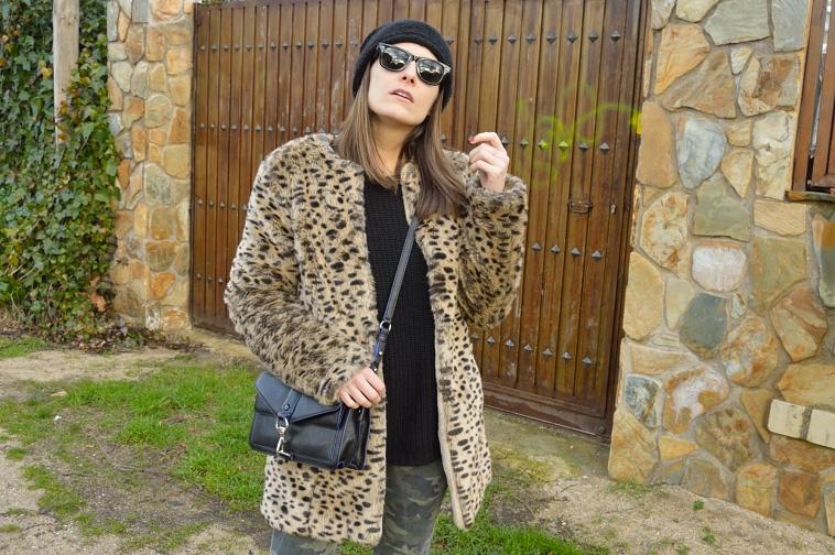 lara-vazquez-madlula-style-blog-leopaard-coat-winter