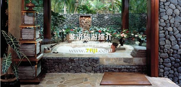 斐济瓦卡亚岛酒店(The Wakaya Club & Spa)别墅内私人按摩浴缸