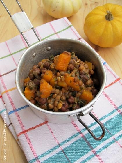 Zuppa di lenticchie, zucca e spinaci