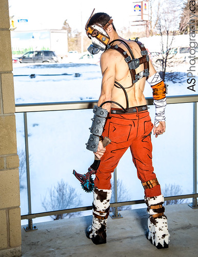Krieg from Borderlands by Henchmen Props at con-G 6 by andreas_schneider