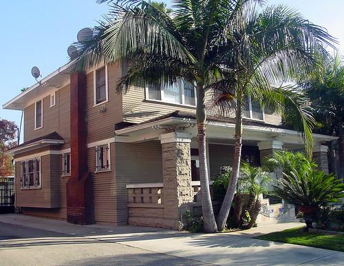20a - Hoffmann Residence - 1926 S Western Ave (E)