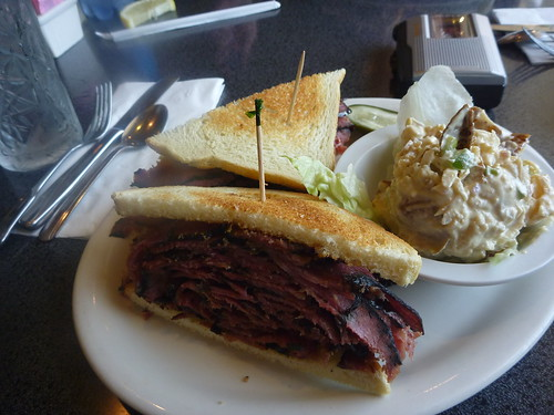 Victor's Square - Restaurant & Delicatessen Sandwich - Hollywood CA - Photos By Keith Valcourt