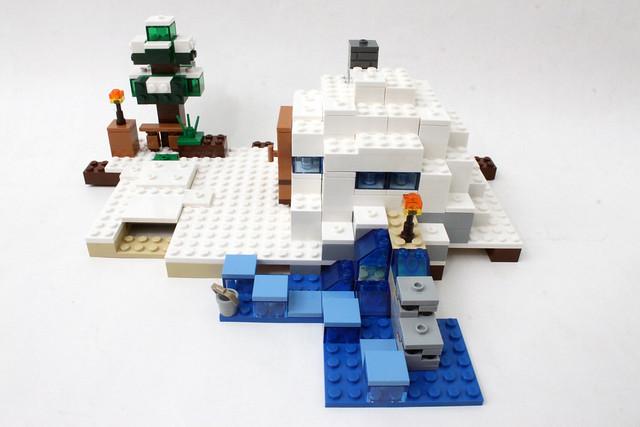 Review - 21120 LEGO Minecraft The Snow Hideout από BRICKFAN 19135474294_93dda2d238_z