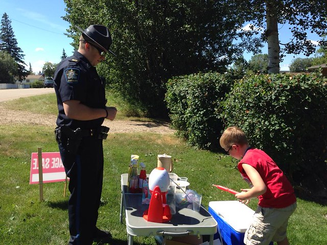 #CopsLoveLemonadeStands