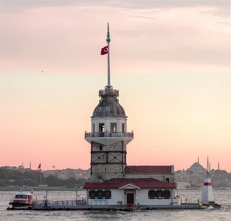 Amazing Kiz Kulesi lighthouse - Wieża Leandra - Istanbul