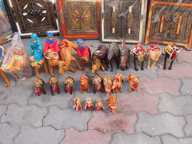 皮製的小駱駝群